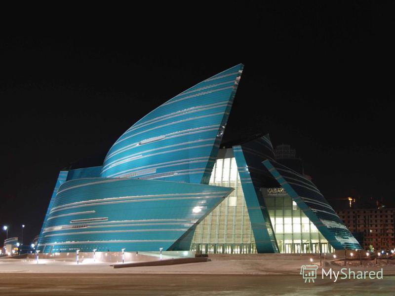 Официально Акмола была объявлена столицей Казахстана 10 декабря 1997 года. Международное представление Акмолы в качестве новой столицы состоялось 10 июня 1998 года, но день столицы Астаны был перенесен на 6 июля, на день, когда родился первый президе