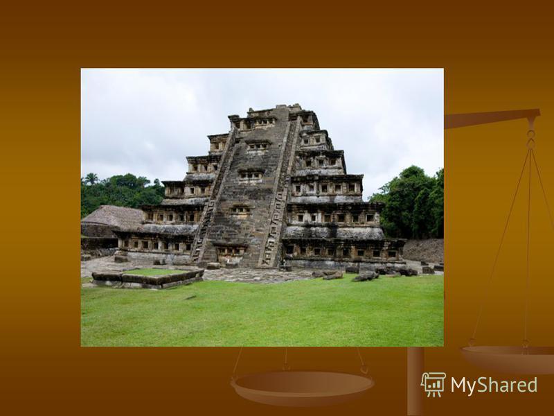 Об истории возведения пирамиды в Чолула-де-Ривабадия мы знаем благодаря недостоверному свидетельству испанца Диего Дюрана. В 1585 г. Дюран записал со слов самого старого жителя города следующее: «Вначале, до сотворения солнечного света, это место был