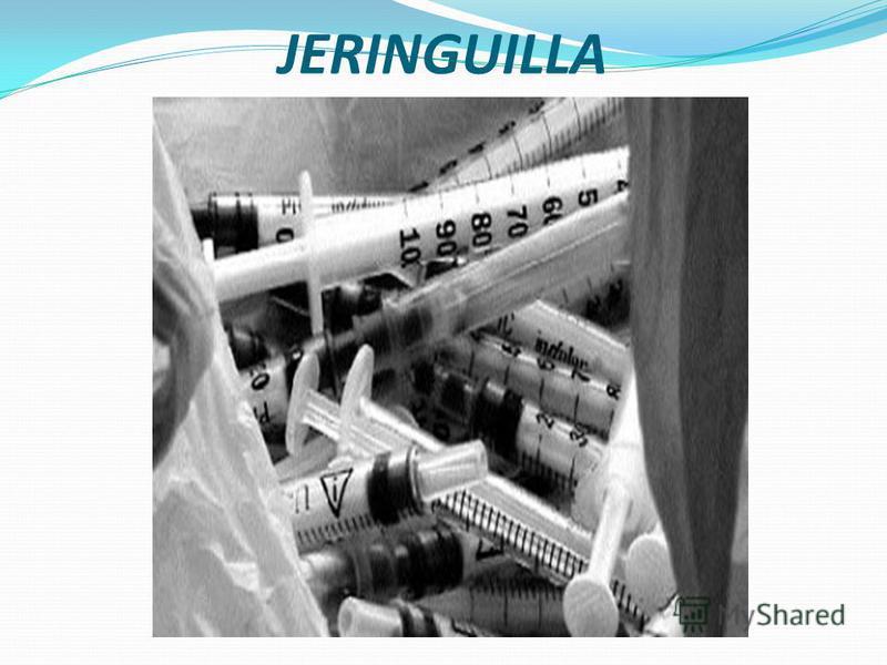 tubo de caucho armado con una boquilla, insertada en una pera compresible y un juego de válvula que permite que el líquido por compresión sea impulsado hacia el extremo de la boquilla empleada en la práctica ginecológica, jeringa de cristal con armad