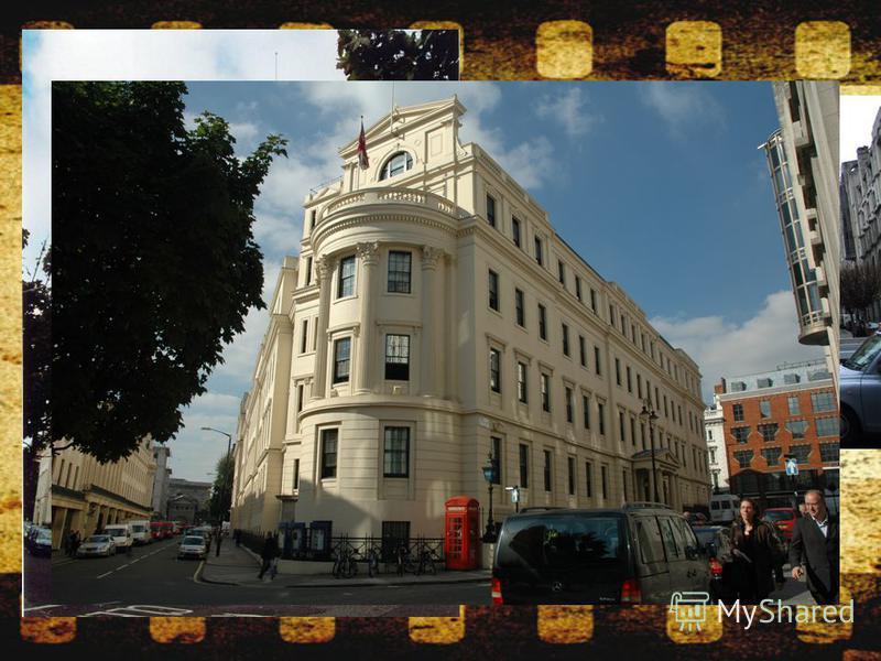 Чаринг- Кросский госпиталь (Charing CrossHospital) В настоящее время - районный полицейский участок. Раненого Шерлока Холмса принесли сюда после нападения на него головорезов барона Адальберта Грюнера напротив кафе Royal («Знатный клиент»).