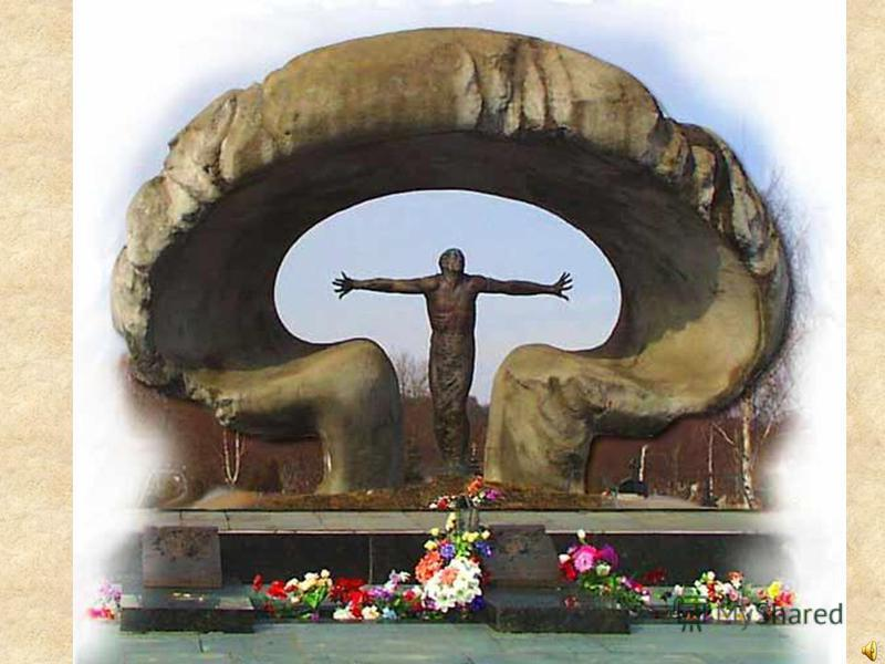 27 сентября 1998 года, в городе Петрозаводске, у возрождающегося храма Александра Невского, торжественно был открыт памятник пострадавшим от аварии на ЧАЭС.
