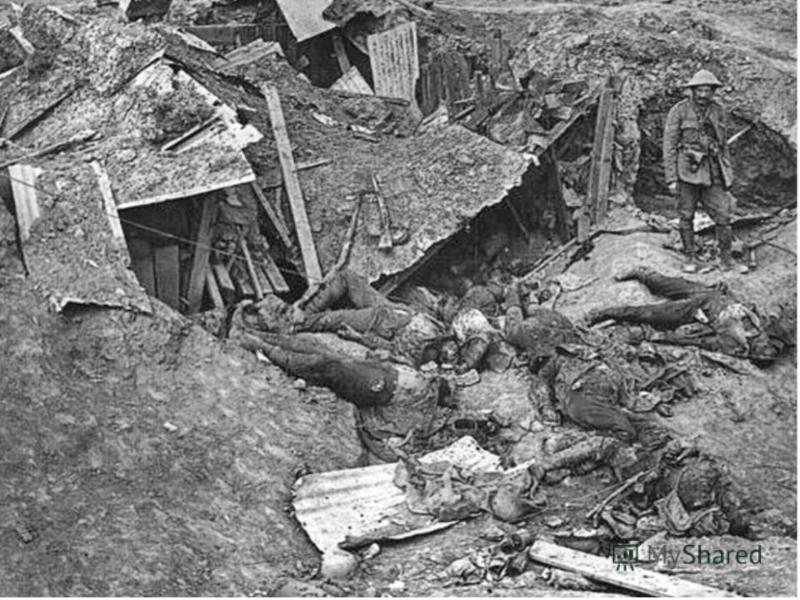 Война принесла Италии свыше 600 тыс. убитых, более миллиона раненых и калек, огромный внешний долг, опустошенные провинции, разгул спекуляции и злоупотреблений, разочарования и жажду перемен. Общие военные убытки страны составили 1/3 ее национального
