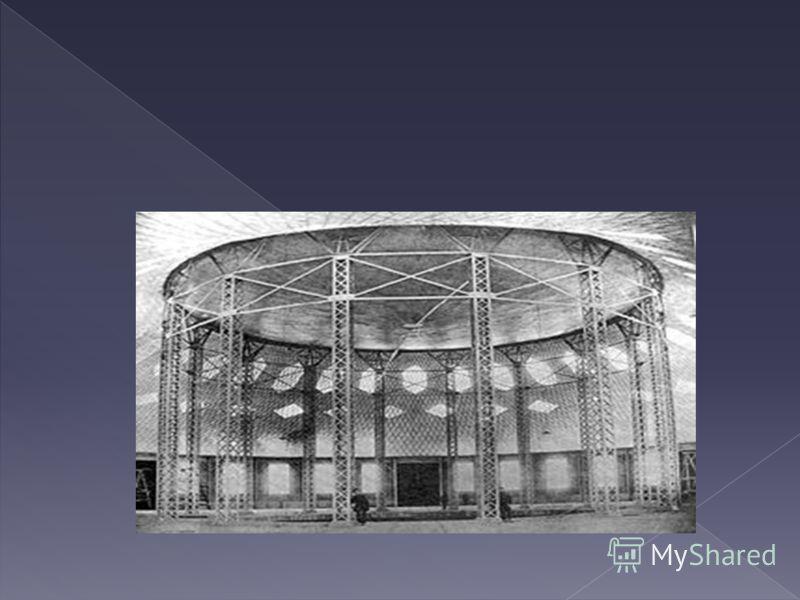 Под руководством В. Г. Шухова спроектировано и построено около 500 мостов (через Оку, Волгу, Енисей и др.). Немногие знают, что он спроектировал вращающуюся сцену МХАТа. По проекту В. Г. Шухова и под его руководством было осуществлено сохранение архи