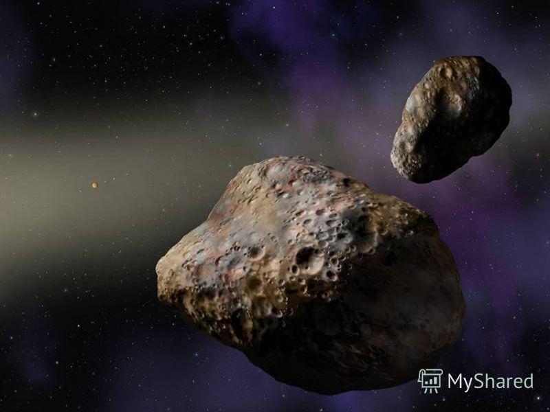 МЕТЕОРИТ Метеорит, метеорит. Откуда он родом не говорит. Лежит перед нами железисто-гладкий, неведомый гость из туманных галактик осколок погибшей какой-то планеты, какой мирозданье забыло приметы. На черный кусок я гляжу молчаливо. Неужто от взрыва,