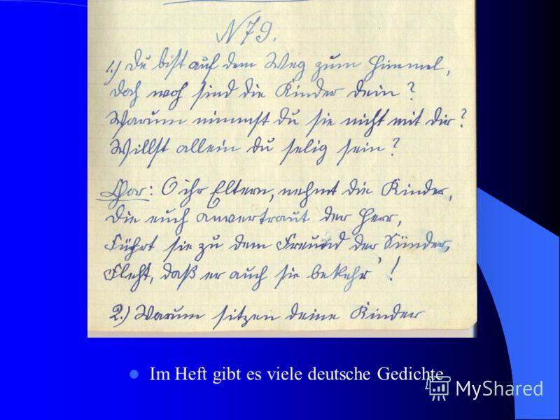 Im Heft gibt es viele deutsche Gedichte