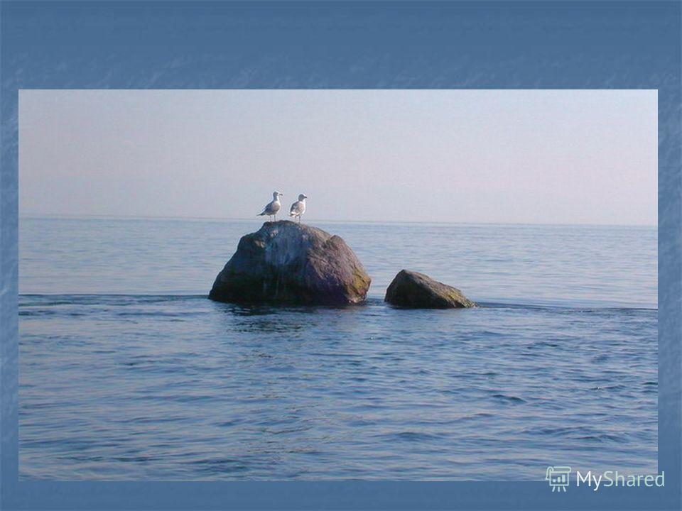 Шаманский камень – одна из достопримечательностей озера Байкал. Во время строительства Братской ГЭС (1960 год) для того, чтобы заполнить водохранилище водой не за 4 года, а гораздо быстрее и раньше получать электроэнергию, Шаманский камень должен был