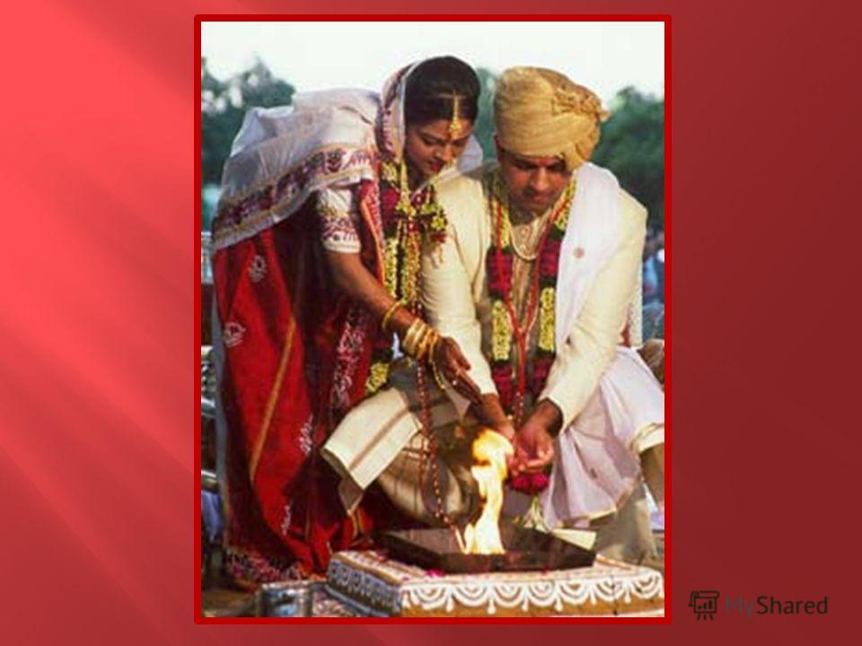 Свадебные обряды Индии отличаются четкой традиционностью это означает, что они остались почти такими же, как и тысячелетия назад. В других странах обычно юноша выбирает девушку, нередко встречается и обратная ситуация. В Индии же брак полностью завис