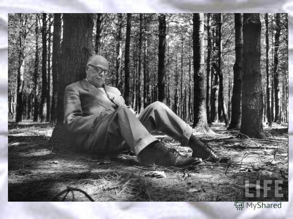 Настроение поздних пьес Уайлдера более тяжелое. Его старшая сестра Шарлотта, поэта, была госпитализирована с психическим расстройством в 1941 году, мать умерла в 1946 году. При друзьях Уайлдер роптал на собственную жизнь, считая ее неудачной. Предпол