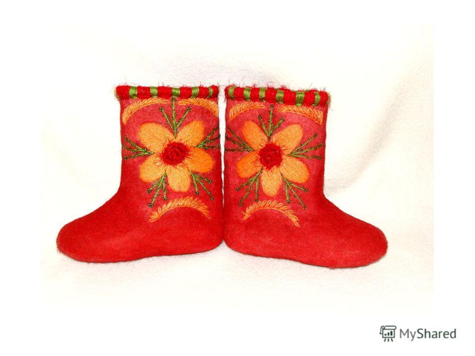 Сандалии Сандалии это лёгкая обувь из подошвы (часто без каблуков), закрепляемой на ноге ремешками или верёвками.обувь каблуков Сандалии один из самых древних видов обуви у народов, живших в тёплом климате. Сандалии уже существовали 10 тысяч лет наза