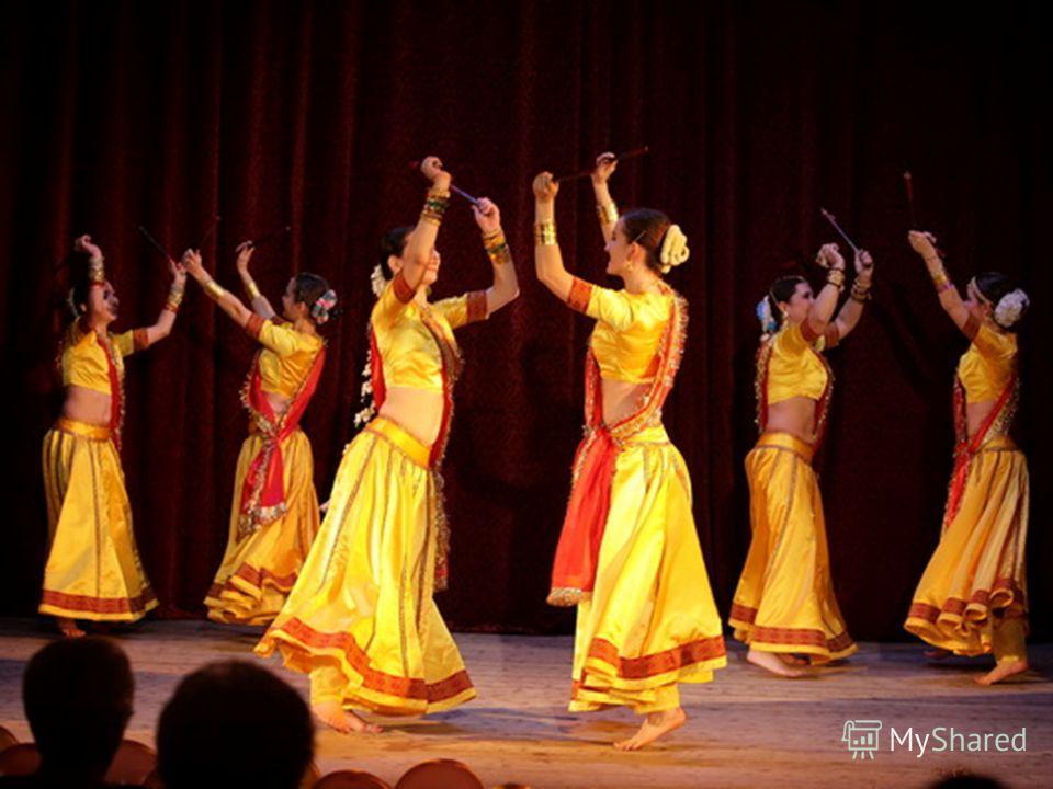 Известный индийский врач и специалист по арт-терапии Сатьянараяна утверждает, что танец оказывает не только психотерапевтический эффект, но и помогает людям, больным диабетом, гипертонией и различными формами артрита. Сатьянараяна полагает, что ритми