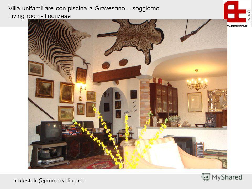 Villa unifamiliare con piscina a Gravesano – soggiorno Living room- Гостиная realestate@promarketing.ee