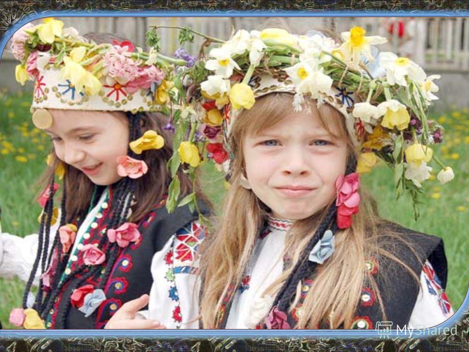 Лазаровден Лазаровден или Лазарница е християнски празник, носещ името на Свети Лазар. Така се казва, защото името Лазар е символ на здраве и дълголетие. По традиция на Лазаровден се откъсват зелени върбови клонки, които ще красят вратите на следващи