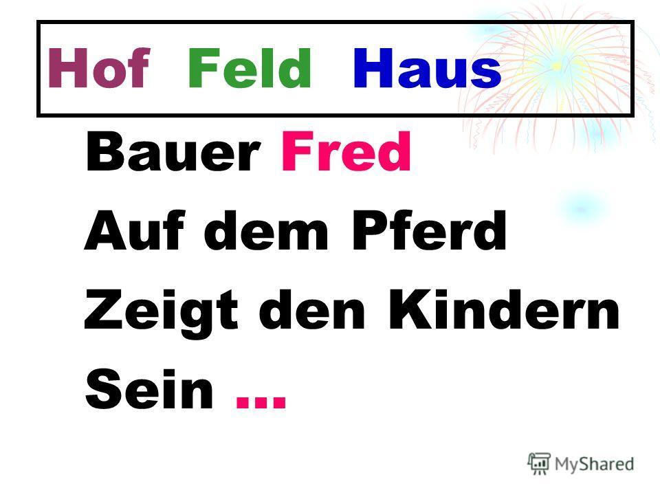 Hof Feld Haus Bauer Fred Auf dem Pferd Zeigt den Kindern Sein …