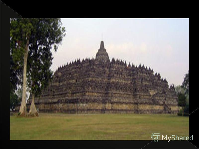 Dinasti Syailendra diduga berasal dari daratan Indocina (sekarang Thailand dan Kamboja). Peninggalan terbesar Dinasti Syailendra adalah Candi Borobudur yang selesai dibangun pada masa pemerintahan raja Samaratungga (812-833).