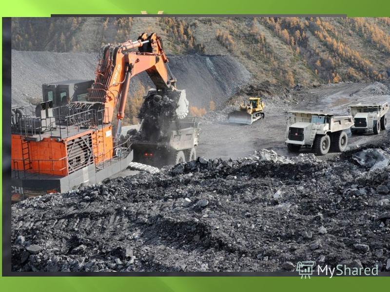 На Донбассе разрабатываются такие горючие полезные ископаемые как каменный и бурый уголь, природный газ. Это сырье применяется в металлургической, химической промышленности, а также на ТЭС. Донецкий черный уголь представляет собой твердое полезное ис