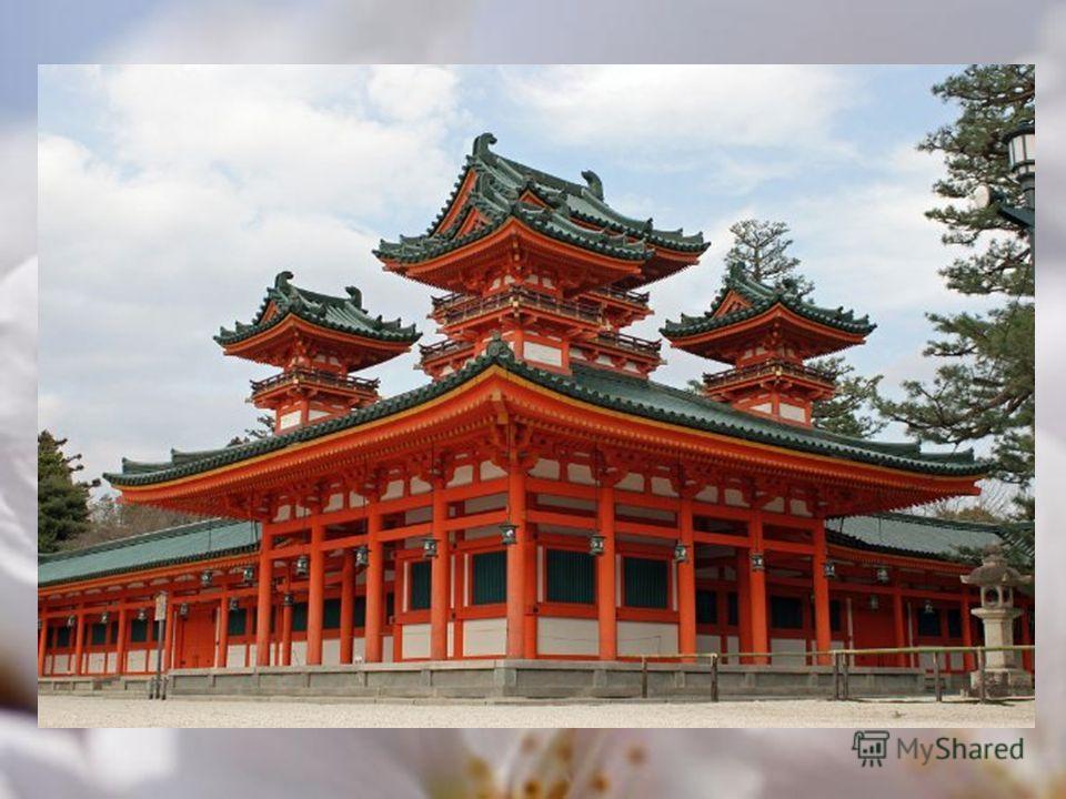 Город: Киото Назначение: святилище, памятник архитектуры Хэйан-дзингу синтоистское святилище в Киото, Япония. Тории перед главным входом одни из самых больших в Японии. Главное строение, сядэн, изображает Императорский Дворец в Киото. Хэйан-дзингу бы