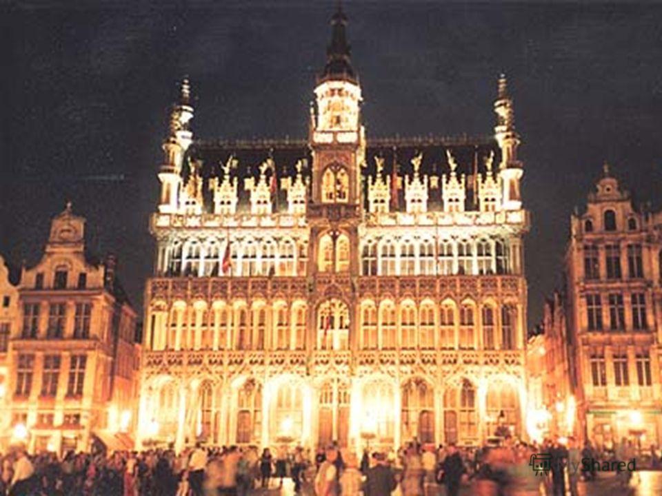 Брюссель Столица Бельгии и столица Объеди- ненной Европы. Столица Бельгии и столица Объеди- ненной Европы. В Брюсселе заседает Европарламент. В Брюсселе заседает Европарламент. Находится штаб- квартира НАТО. Находится штаб- квартира НАТО.