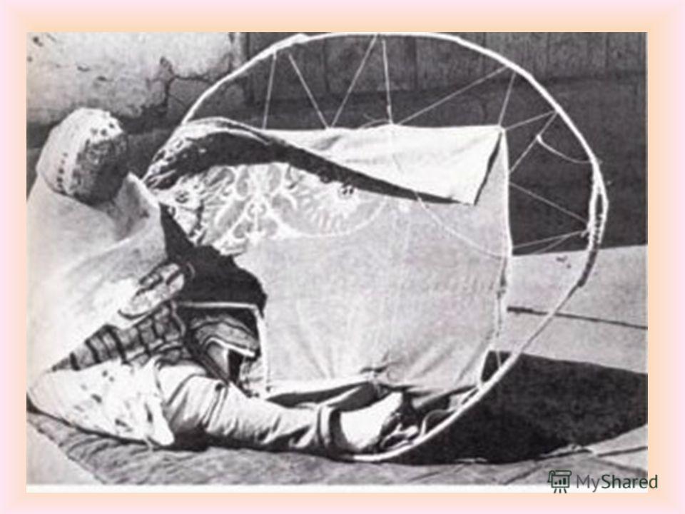 Вышивание – старинный и самый распространенный вид декоративно- прикладного искусства. Искусство вышивки с древнейших времен широко распространено у всех народов. русские чуваши украинцы казахи башкиры белорусы